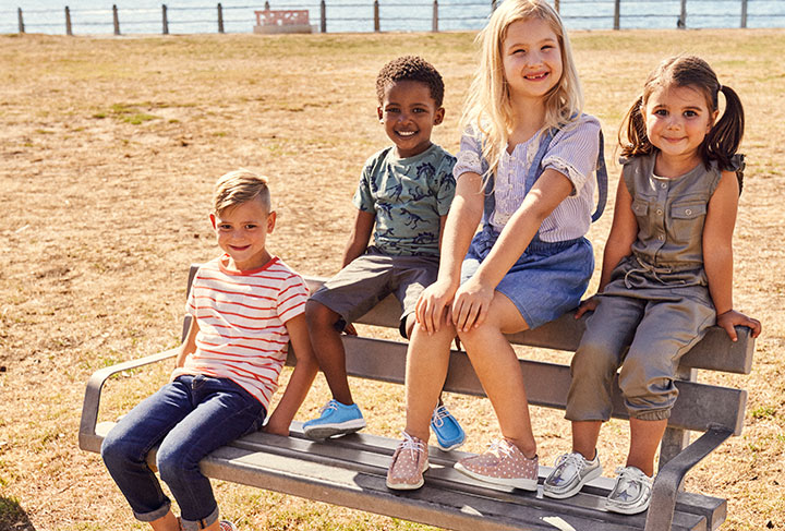 Kinder Models mit Grashopper in unterschiedlichen Ausführungen für Jungen und Mädchen